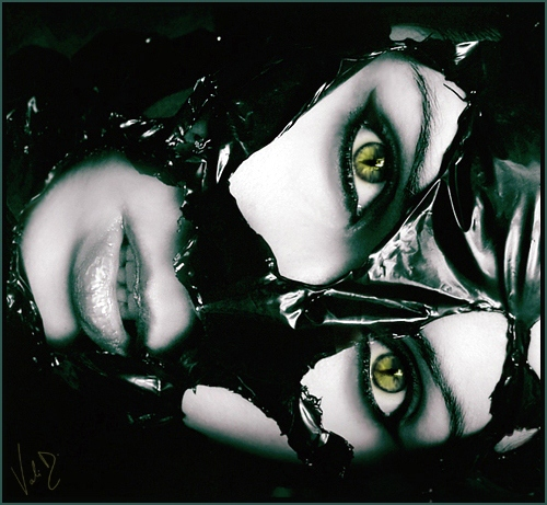 Eyes - Page 2 Plastic_Face_by_ValentinaKallias