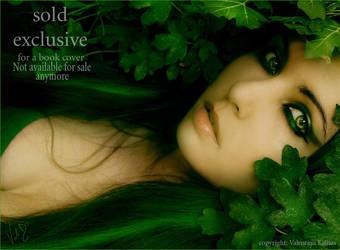 Green woman by ValentinaKallias