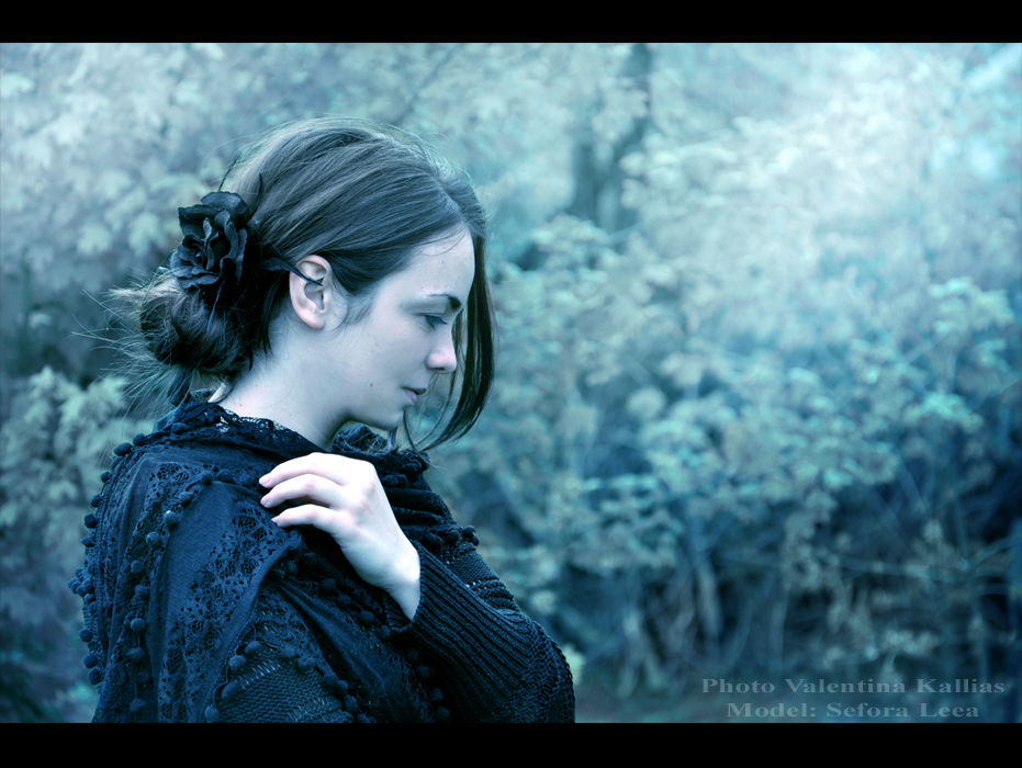 Mourning by ValentinaKallias