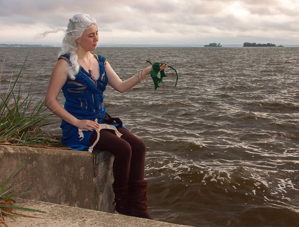 Mama Dragon: Daenerys Cosplay GoT by audrey-vista