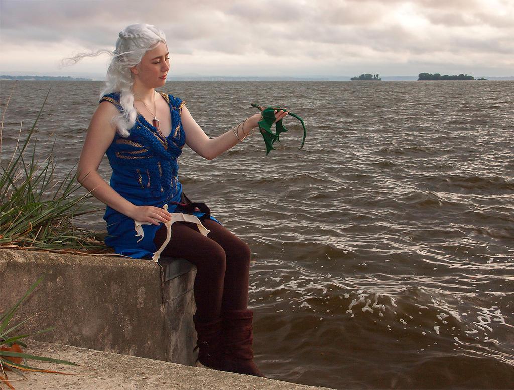 Mama Dragon: Daenerys Cosplay GoT by audrey-vista