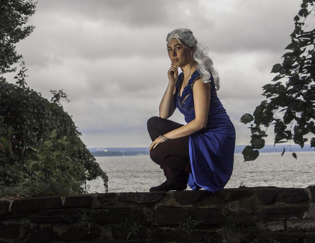 Not a Queen, but a Khaleesi: Daenerys Cosplay GoT by audrey-vista