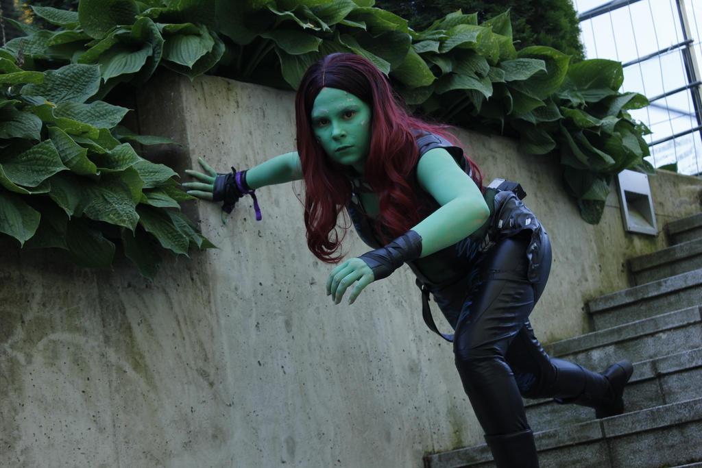 Gamora cosplay by SaaraZ