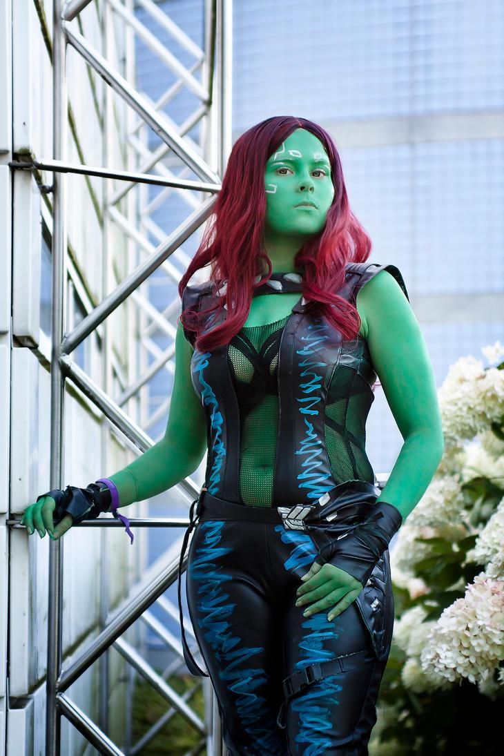 Gamora - Cosplay by SaaraZ