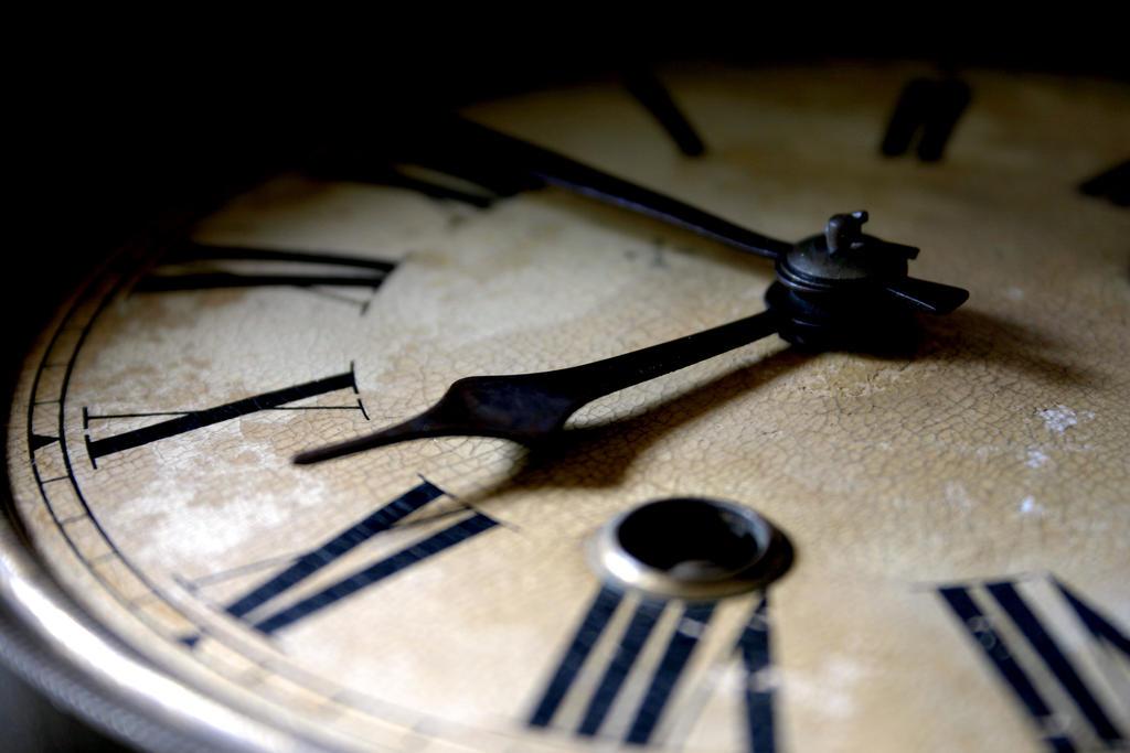 Satovi ,casovnici,vreme... - Page 3 It_s_our_time_by_deviantravnos-d6phr4l