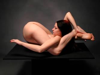 7486-MAK Beautiful Flexible Nude Woman by artonline