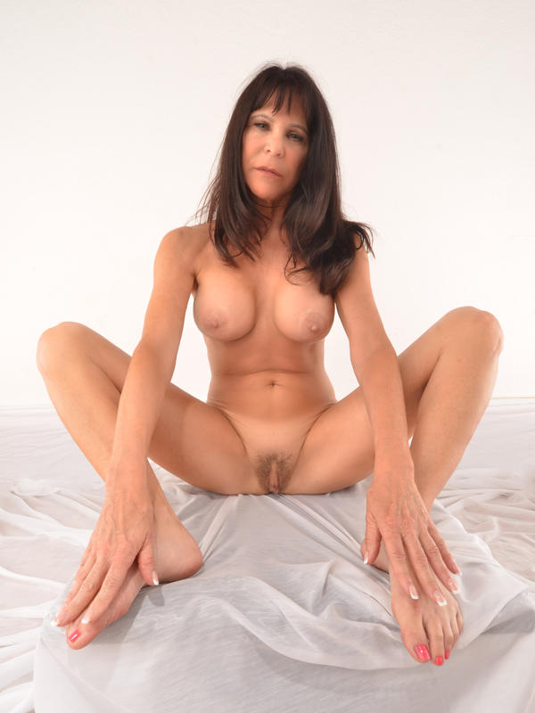Beautiful Nude Mature Woman
