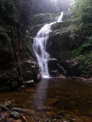 Kamienczyk waterfall by luciferusss