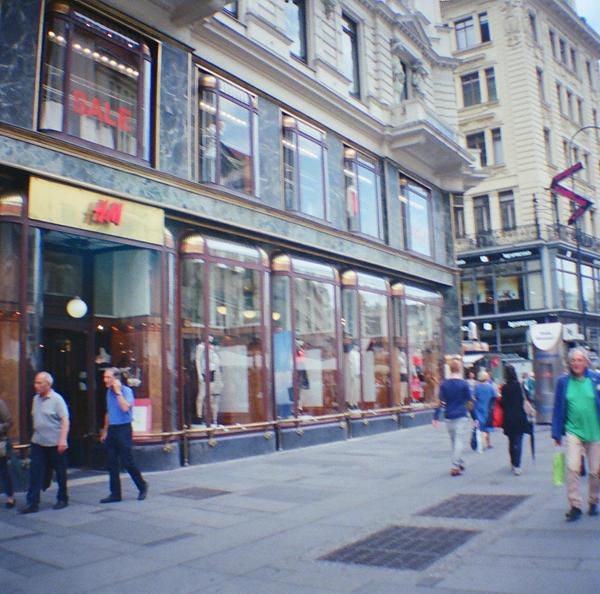 Wien in Diana Mini: H and M Stephansplatz Wien II by neuroplasticcreative