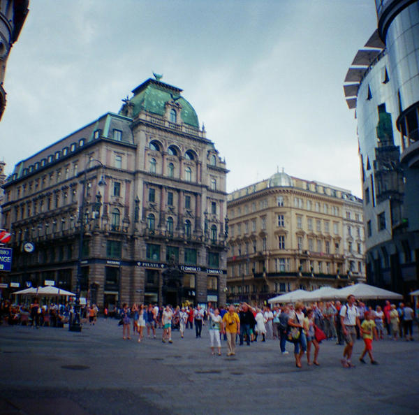 Wien in Diana Mini: Stephansplatz by neuroplasticcreative