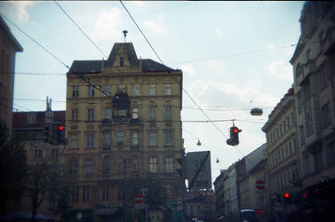 Wien in Holga 135BC: Crossing Wires