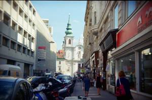 Wien in Holga 135BC: Mariahilferstrasse