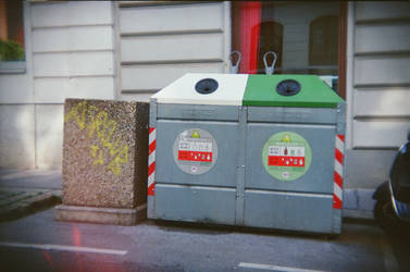 Wien in Holga 135BC: Bitte Rein! by neuroplasticcreative