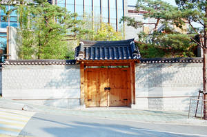 Jongno Days: Bukchon Doorway by neuroplasticcreative