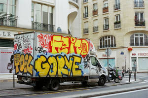 Paris Beaubourg: La camionnette graffiti by neuroplasticcreative