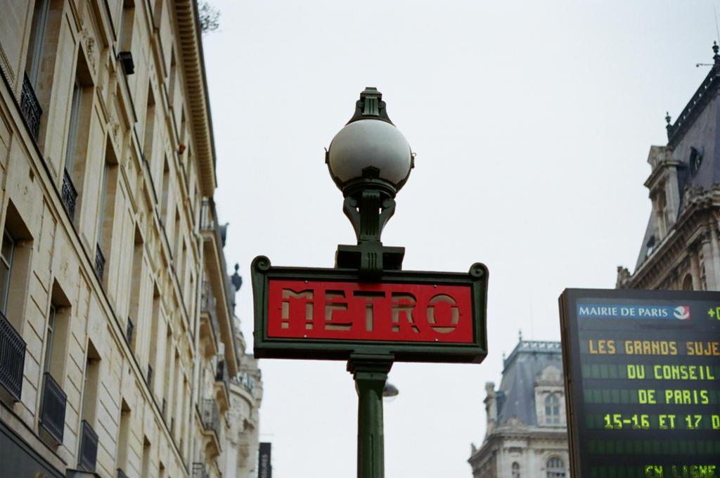 Paris Metro by neuroplasticcreative