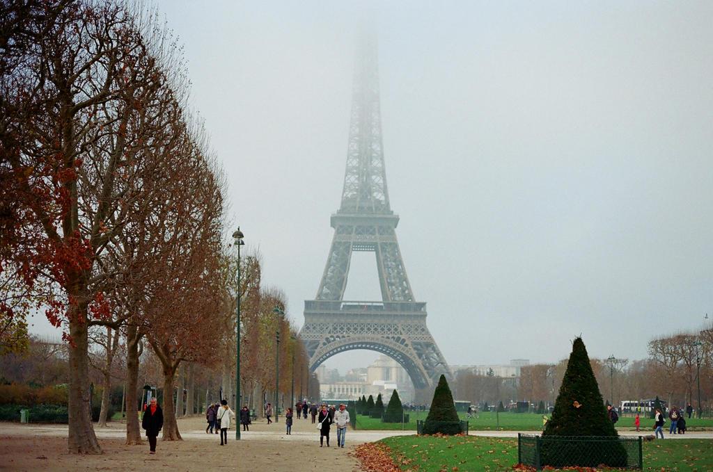 La Tour Eiffel, II by neuroplasticcreative