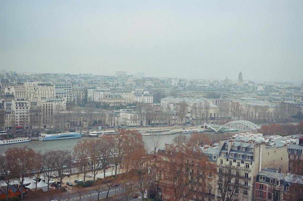 La Tour Eiffel: Paris, III by neuroplasticcreative