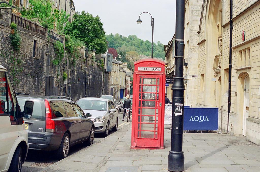Bath: Phone Home by neuroplasticcreative