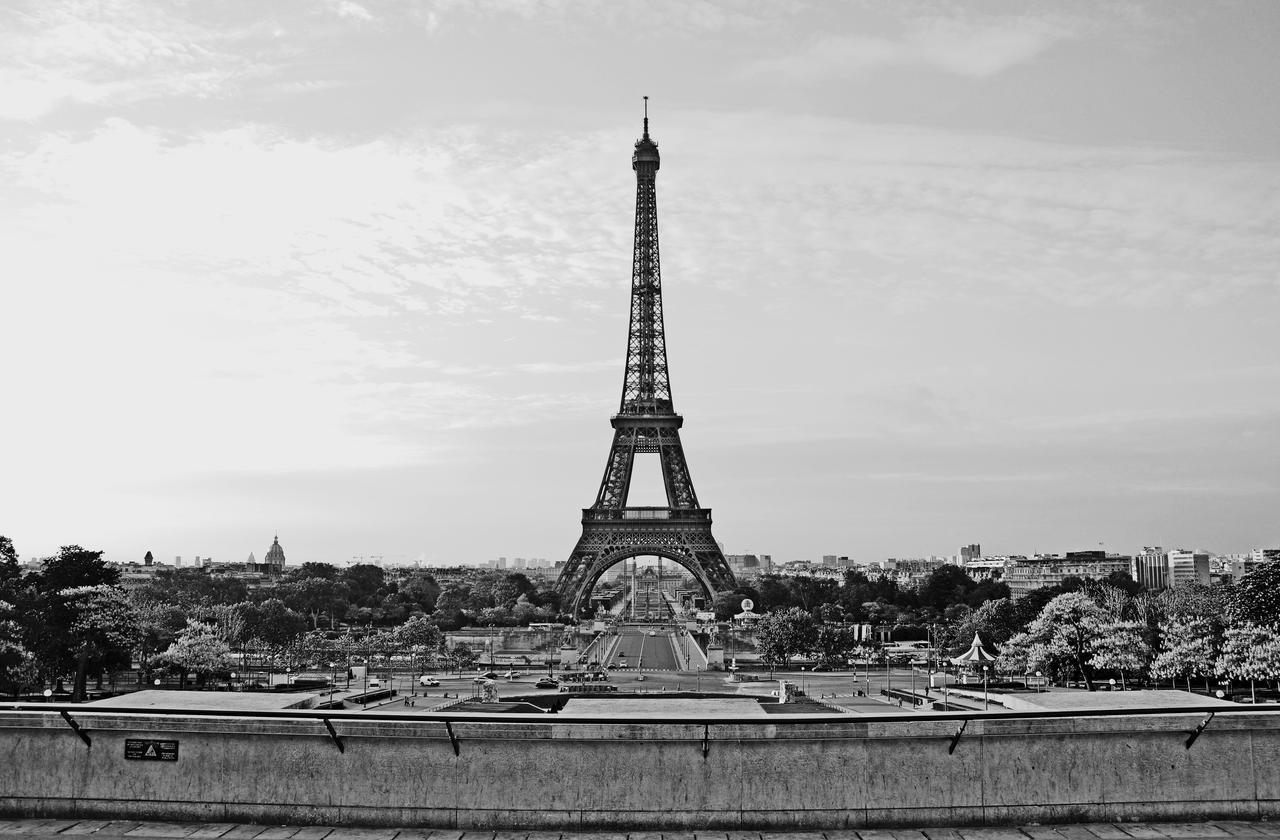 Eiffel Tower Images Black And White: La Tour Eiffel By Dunkeltoy On DeviantArt