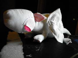 Albino dragon by jennovazombie
