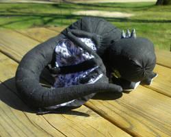 Black and white dragon by jennovazombie