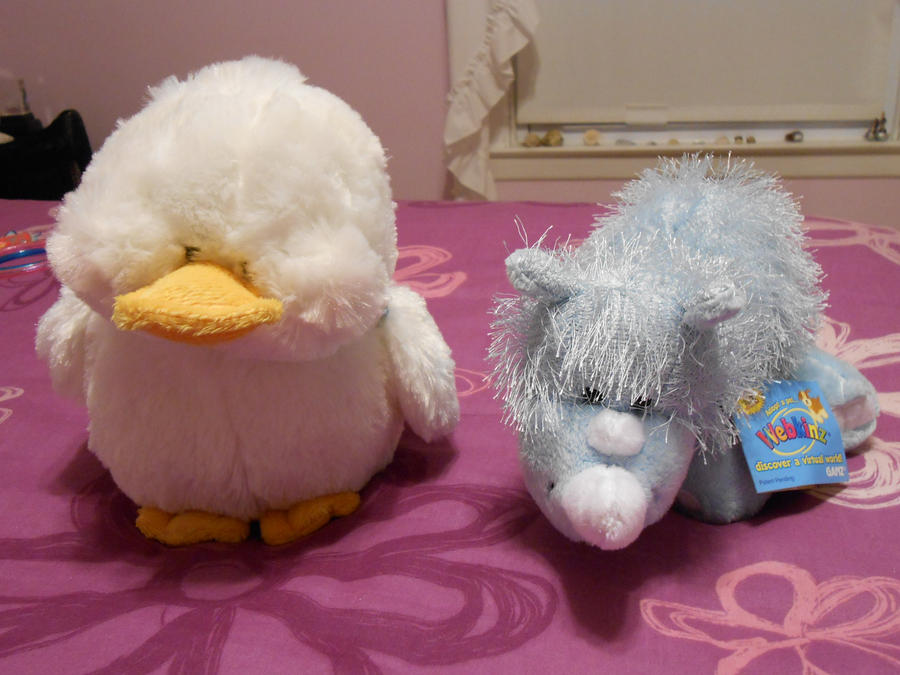 Webkinz Little Kinz White Plush Bunny Rabbit webkinz kangaroo no code, has been used. Webkinz code for sale in exceptional condition. Have a close look on the photos to have right idea of condition.