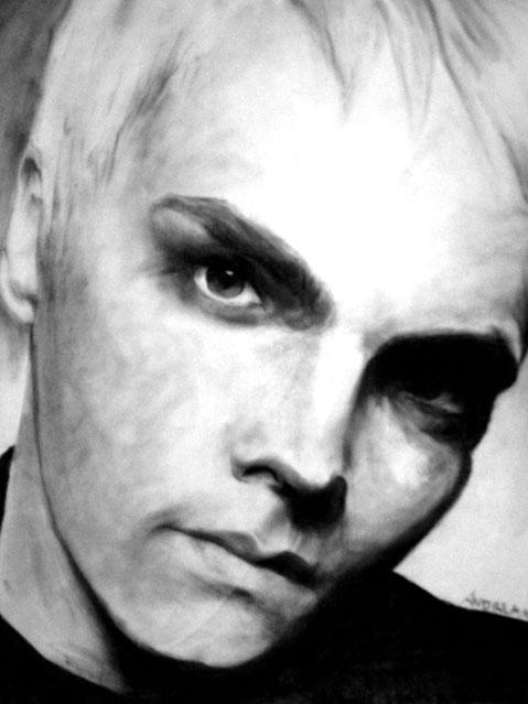 Gerard Way by catdragongrl