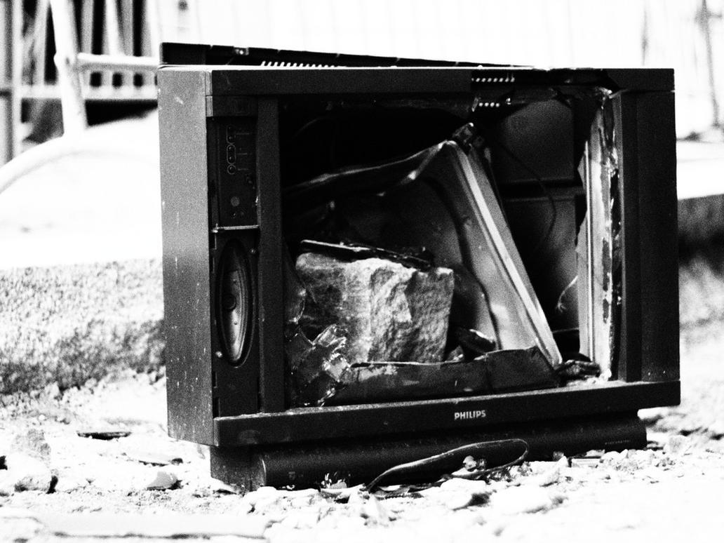 TV by Shocktherapist