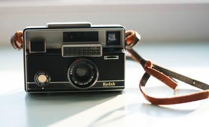 1964 Kodak Instamatic 800 by aseashelltoyourear