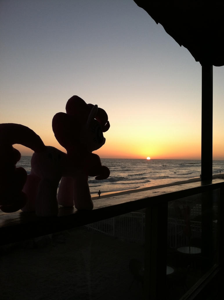 Another beautiful sunset. by EquestriaPlush