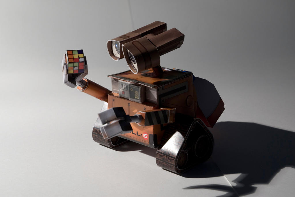 papercraft Wall-e by Soundracer
