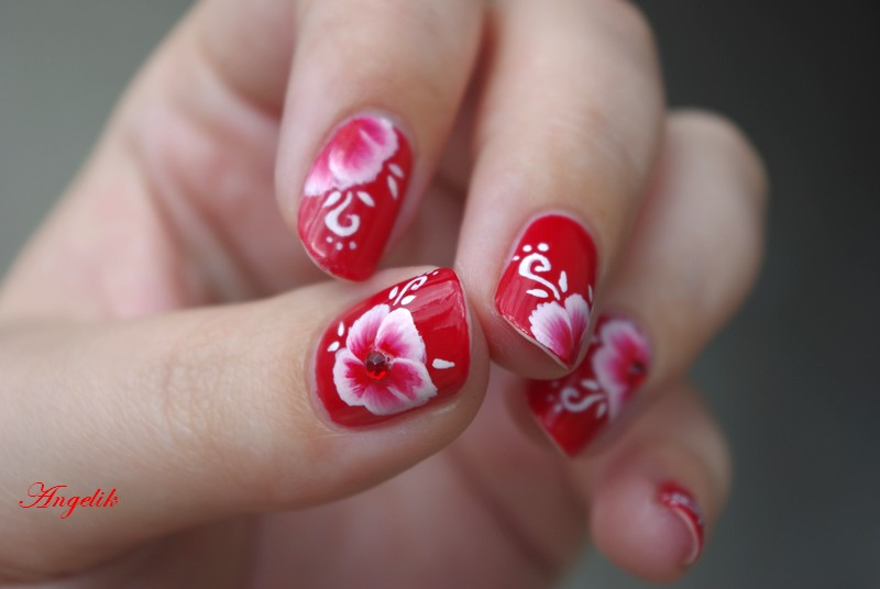 Nail art : Poppy reversed by Angelik23