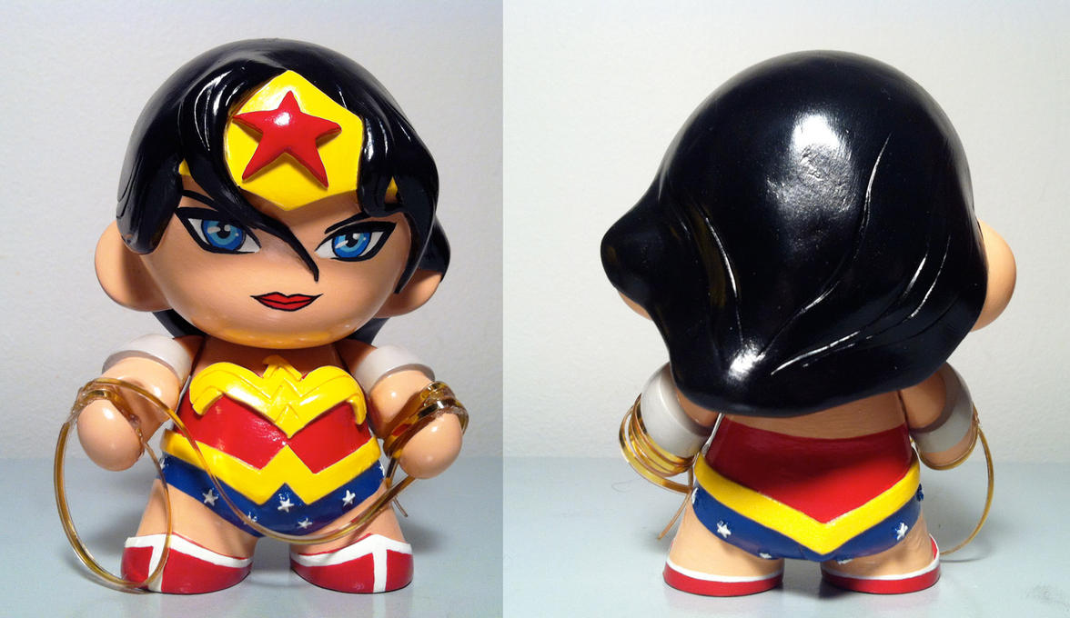 Wonder Woman Custom by n3gative-0