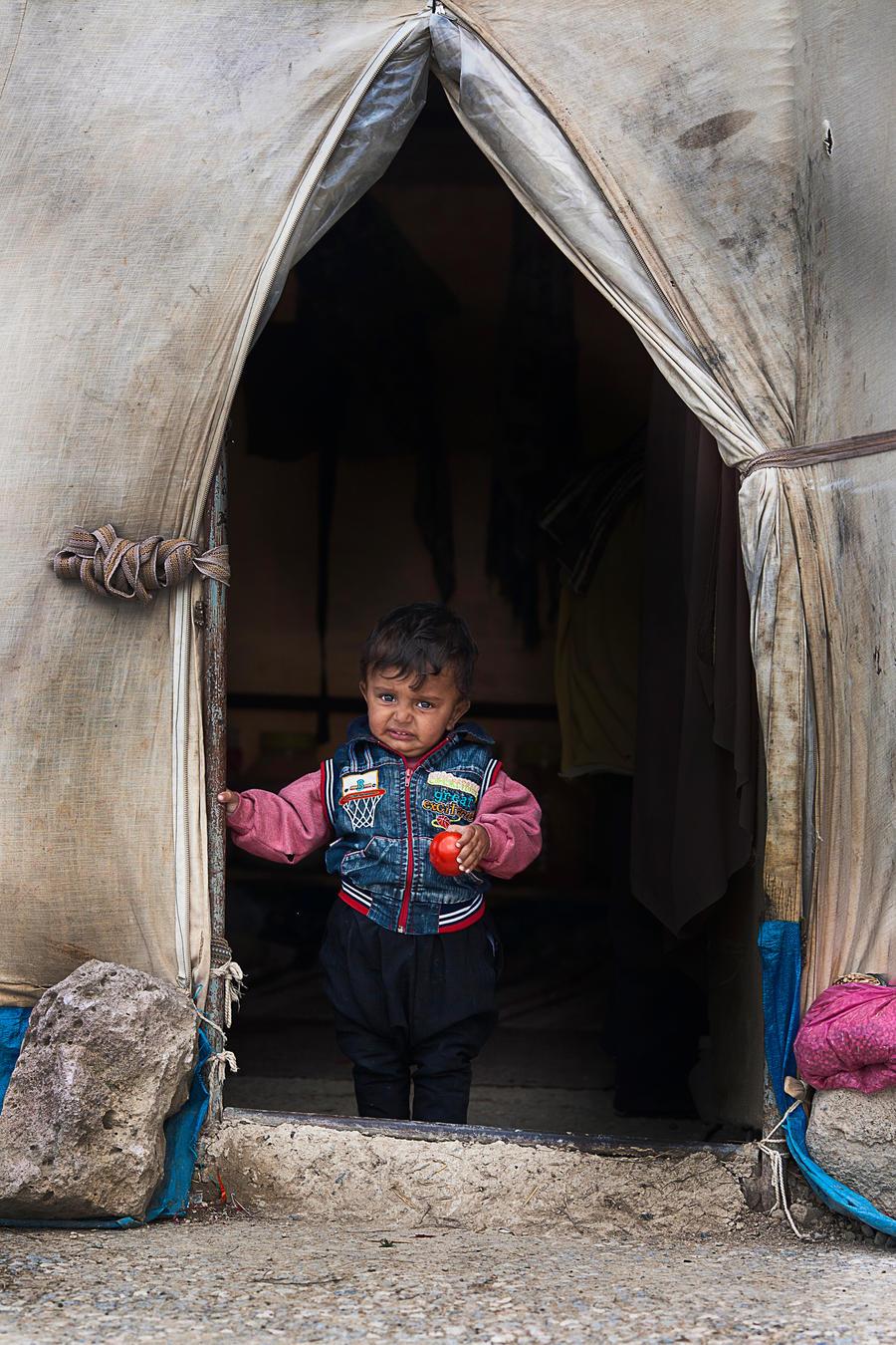 CADIRDA HAYATLAR(lives in tent) by excalibur38