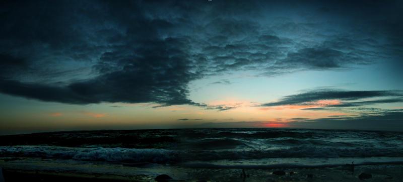 sunset beach. by inspelad