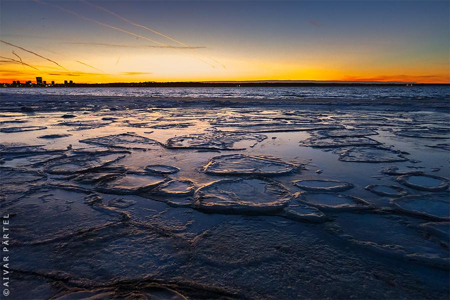 Winter Sea by aivarz