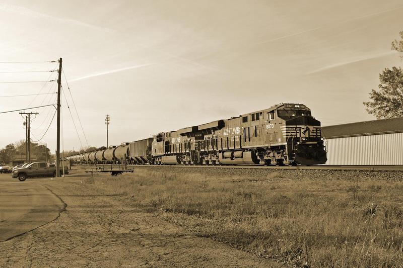 NS 66W 10-24-14 by the-railblazer