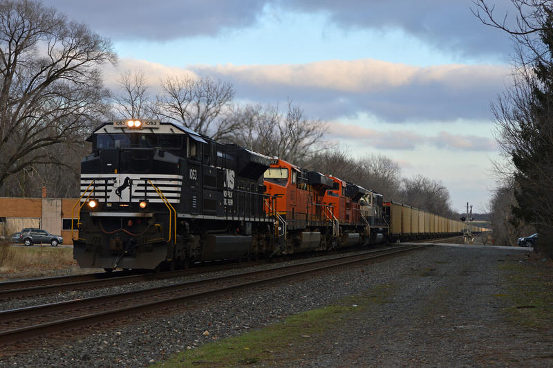 NS and BNSF 417 12-7-14 by the-railblazer