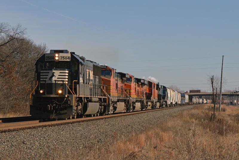 NS BNSF and CEFX 31K 1-1-15 by the-railblazer