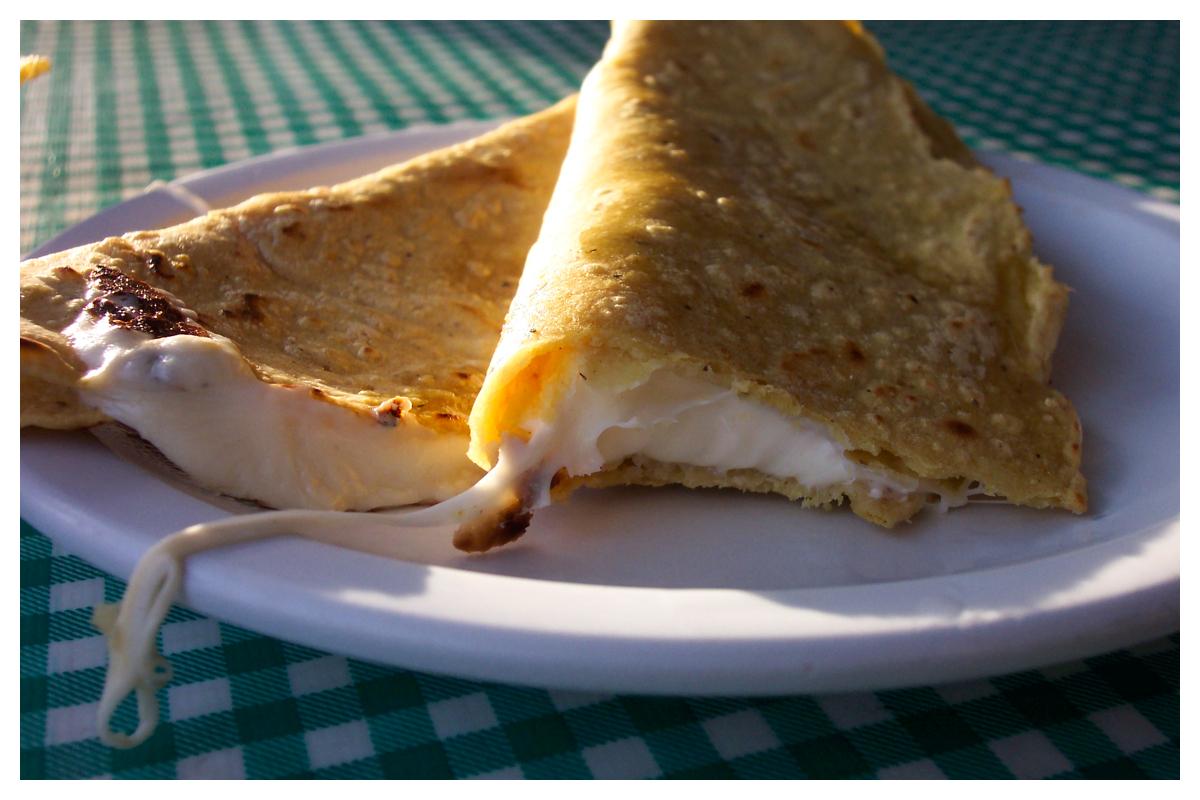 quesadilla de queso by mclaranium on deviantart