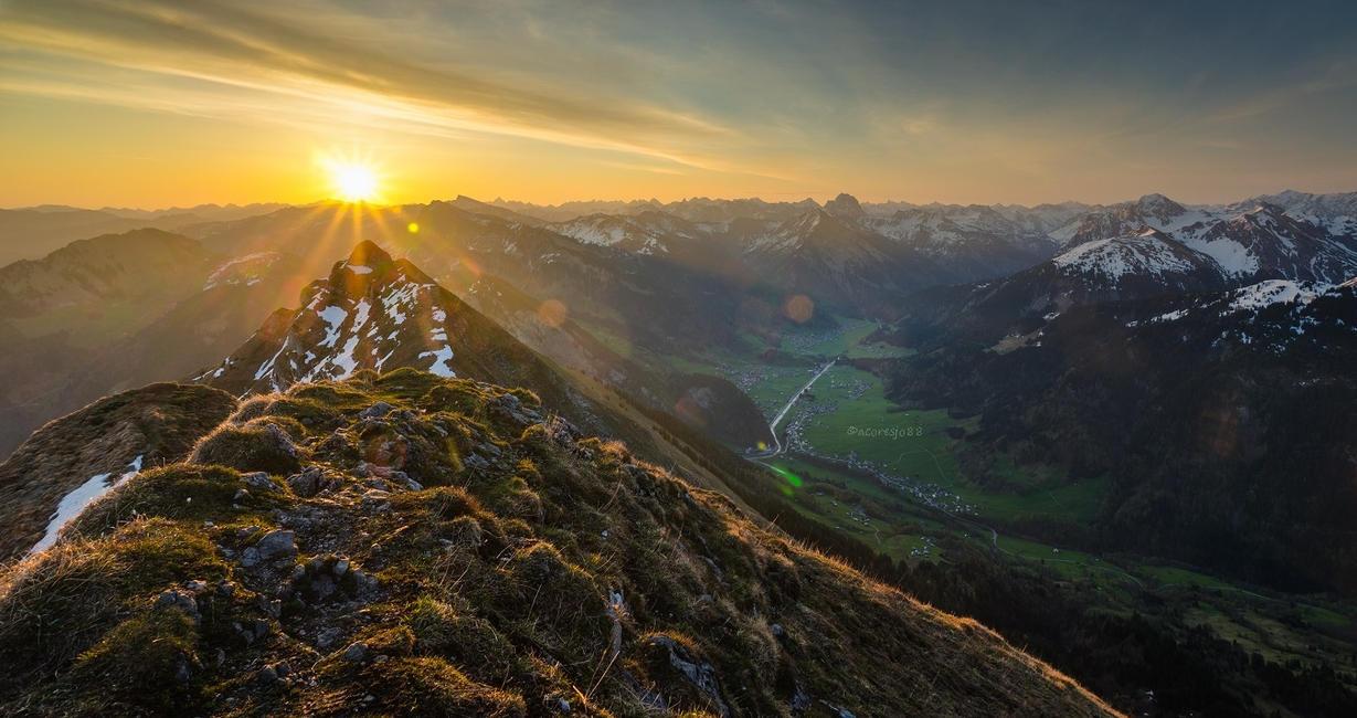 Mt Kanisfluh sunrise by acoresjo88