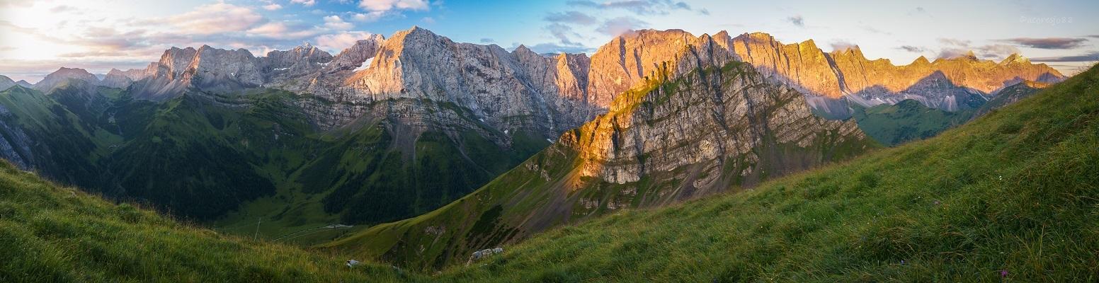 Karwendel sunrise by acoresjo88