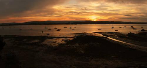 Sunset at Lympstone by AshleyBovan