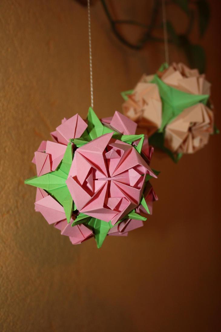 Pacyfic Roses by Kusu-dama