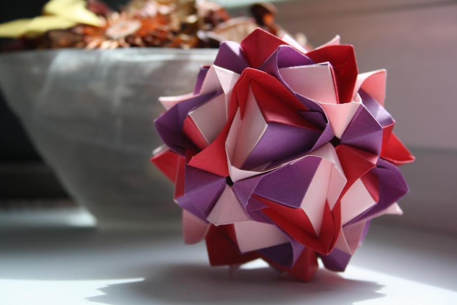 Lotus Crown by Kusu-dama