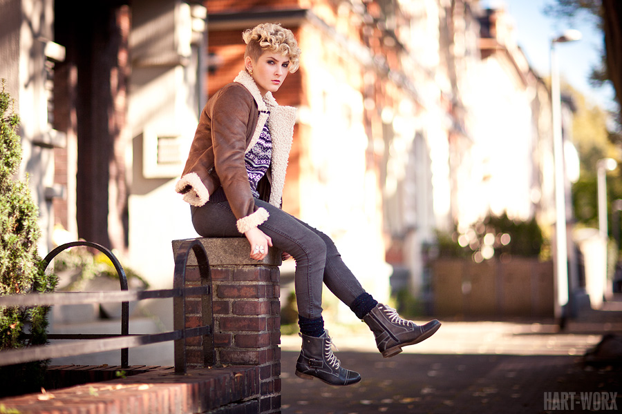 Jana Outdoor Fashion 05 by Hart-Worx