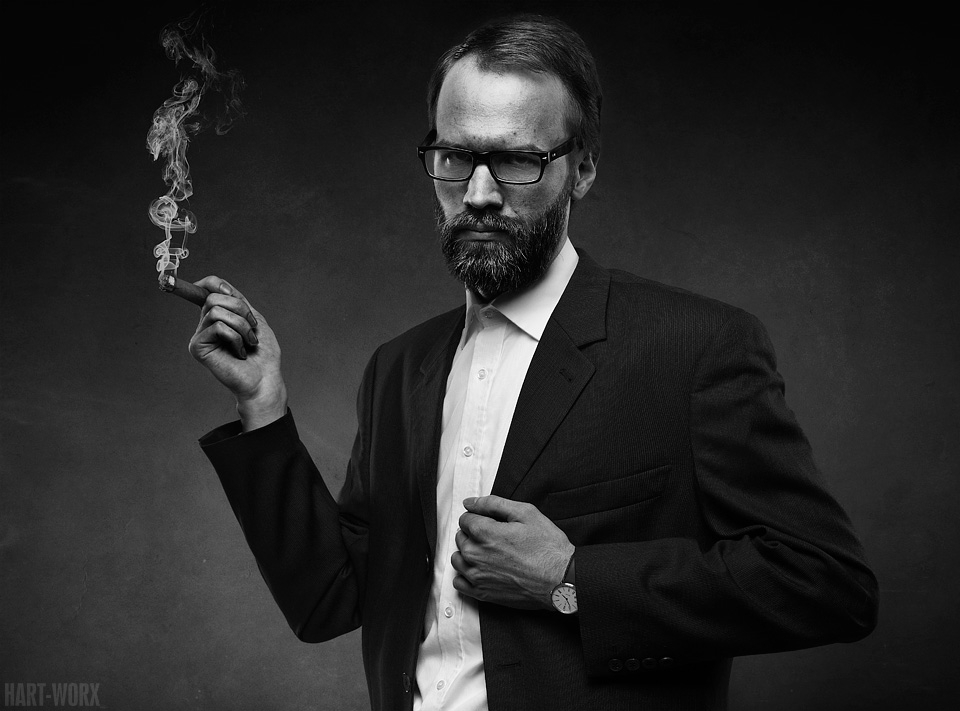 Dr. Niesenhaus II by Hart-Worx