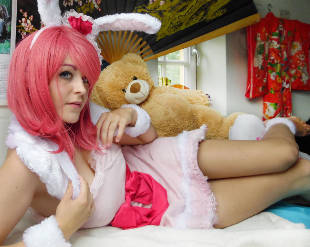 Maki Nishikino - Love by Shizuka-Yoru
