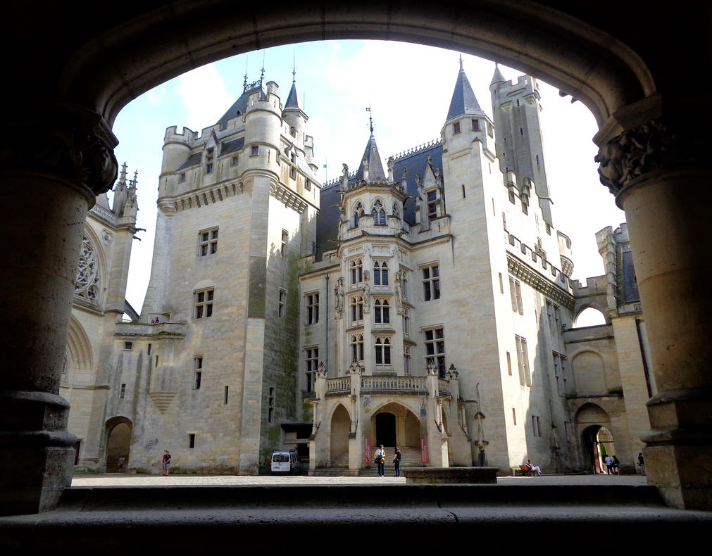 Camelot - Chateau de Pierrefonds June 2015 13 by MorgainePendragon
